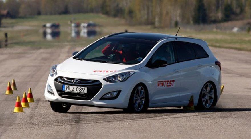 У Hyundai i30 отказал усилитель руля во время теста (Видео)