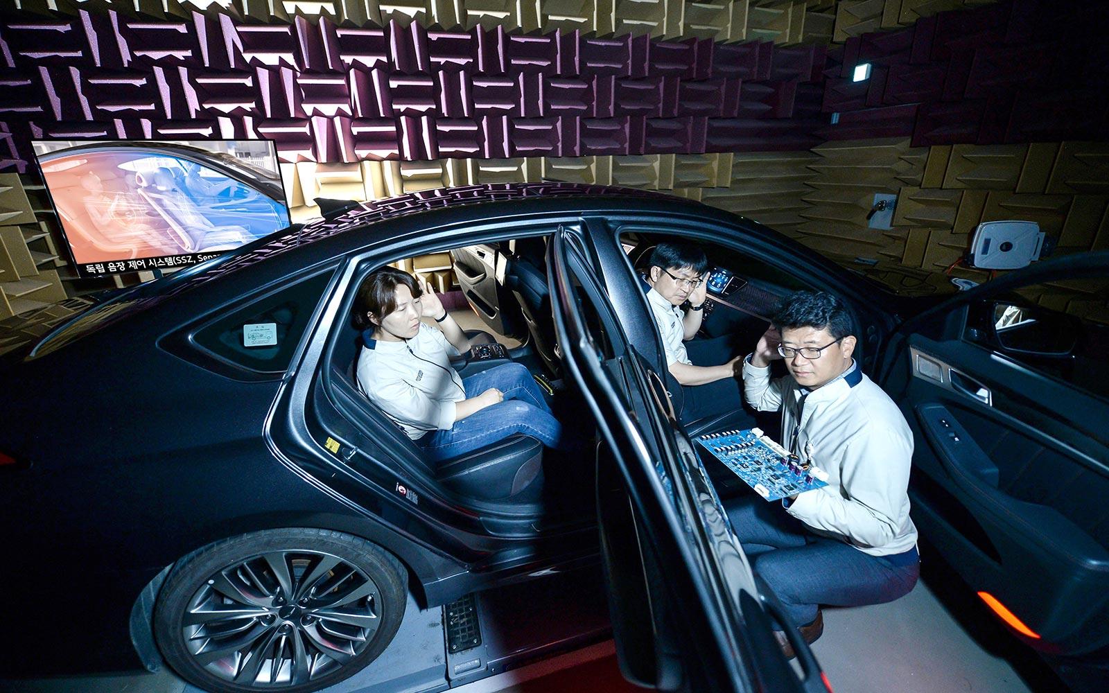 Новая технология Hyundai позволит каждому пассажиру автомобиля слушать свою музыку