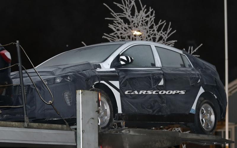 Hyundai«засветила» на тестах гибрид в стиле Toyota Prius