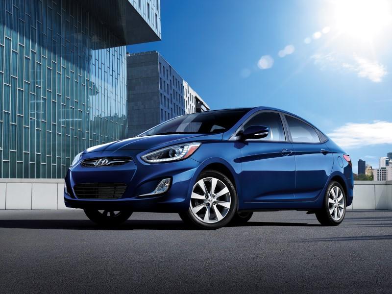 Обновлённый Hyundai Accent научился следить за слепыми зонами