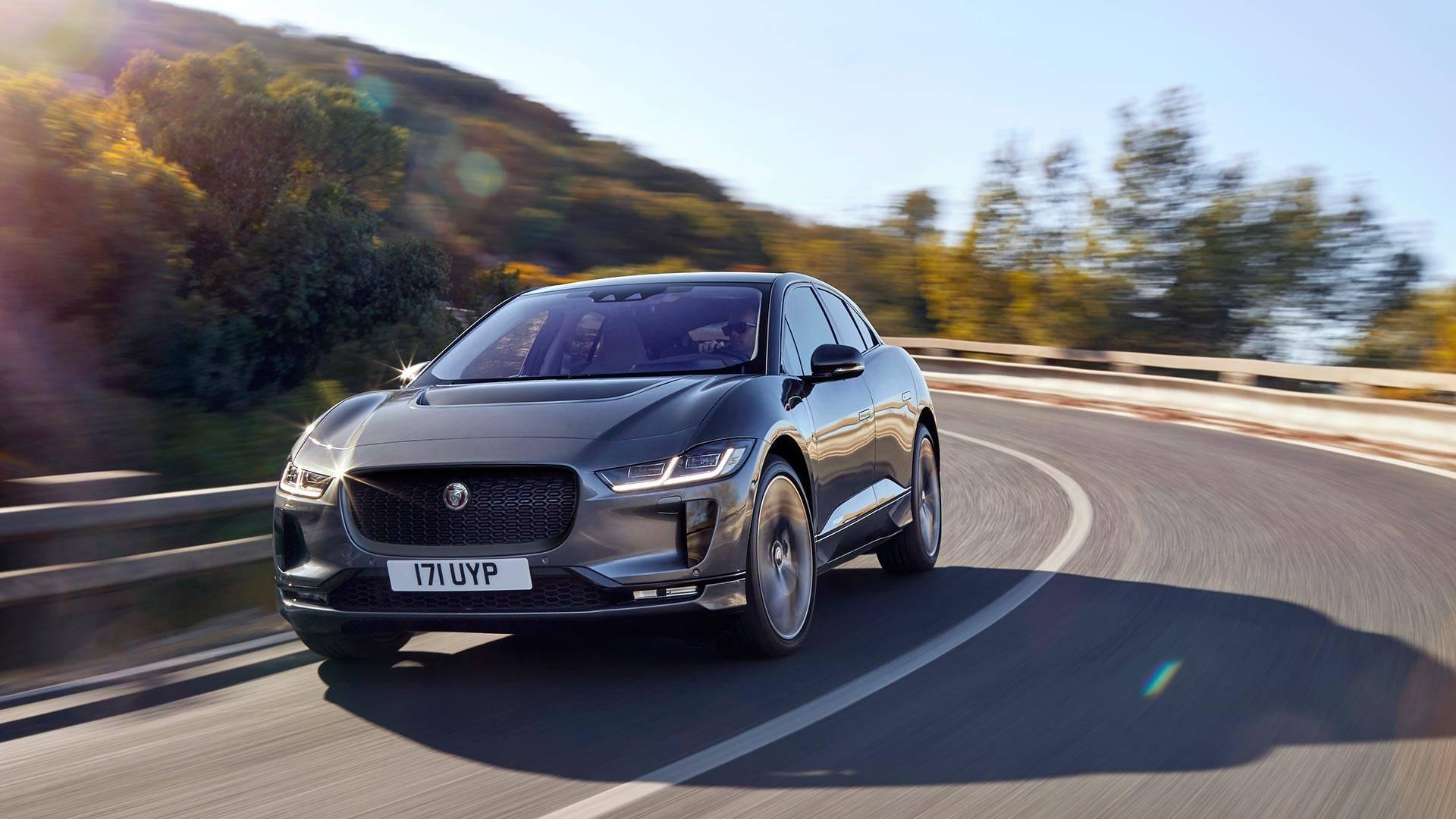 Jaguar показал первый серийный электрокроссовер I-Pace