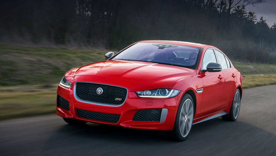 Jaguar представил спортивные версии моделей XE и XF