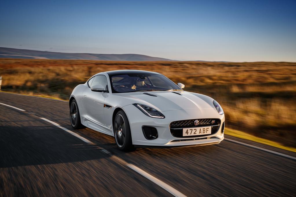Jaguar представил «юбилейные» версии купе и родстера F-Type