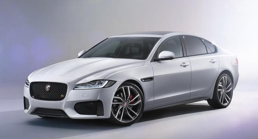 Jaguar представила над водой седан XF нового поколения (фото+видео)