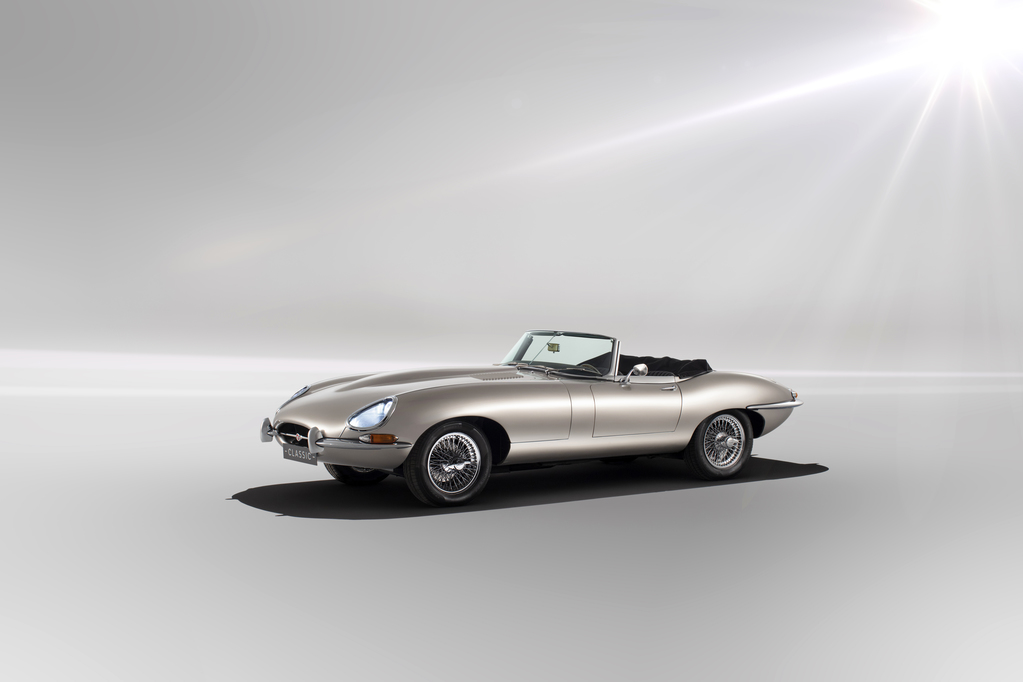 Jaguar запустит в серию электрический E-Type