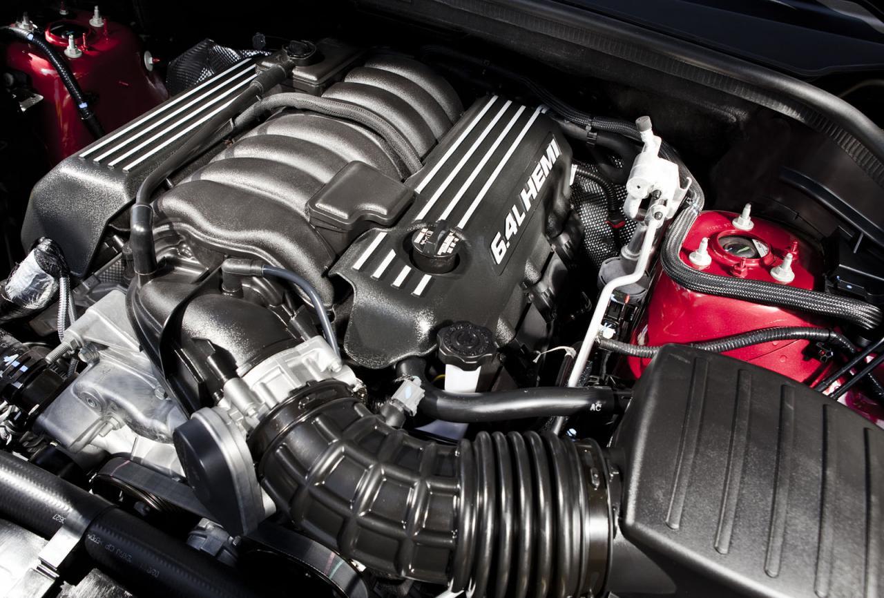 Jeep Grand Cherokee SRT engine