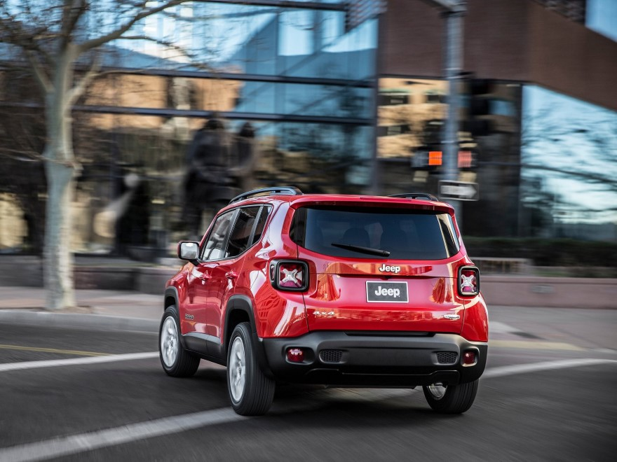 http://autonews.autoua.net/media/uploads/jeep/jeep_renegade_2015_(18)_(custom).jpeg