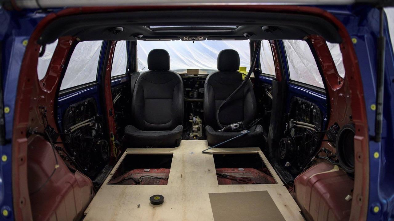 Kia уберет из Soul руль и установит кресла задом наперед