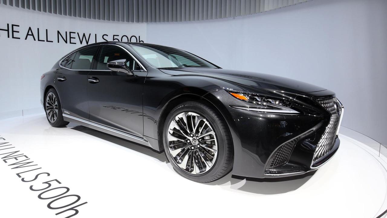 Женева 2017: новый Lexus LS получил гибридную модификацию