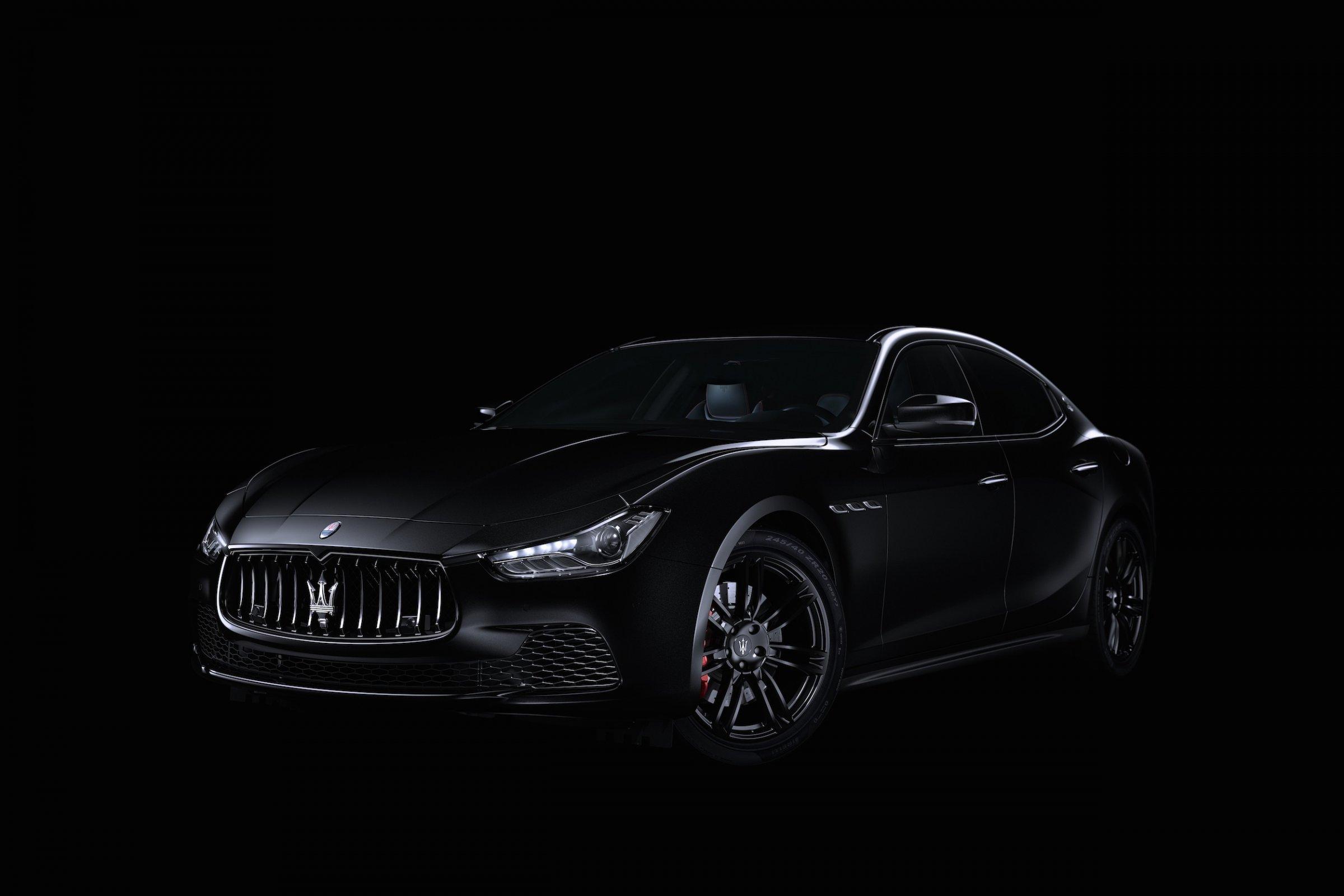 «Самый черный» седан Maserati Ghibli Nerissimo представили на автосалоне в Нью-Йорке