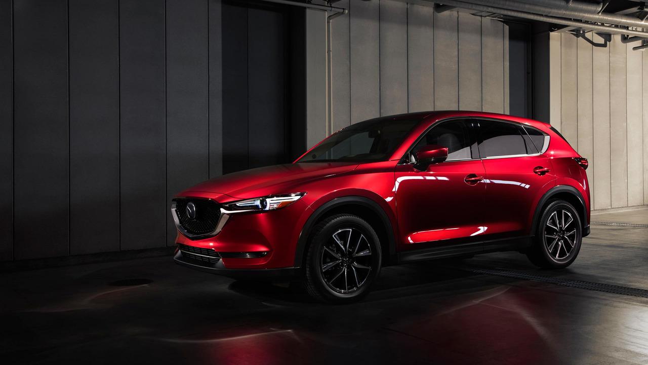 Кроссовер Mazda CX-5 второго поколения представлен официально