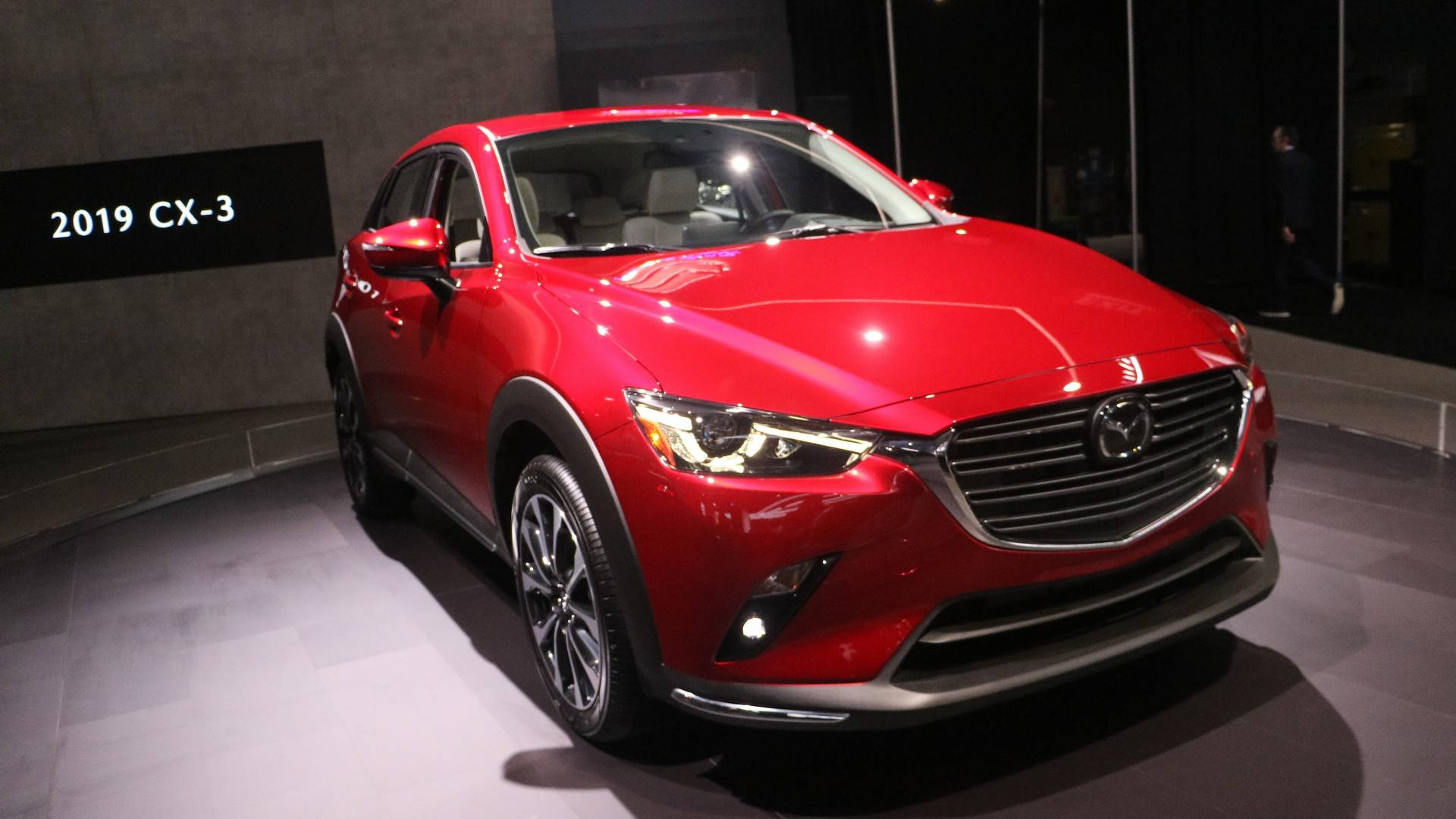 Нью-Йорк 2018: Mazda обновила кроссовер CX-3