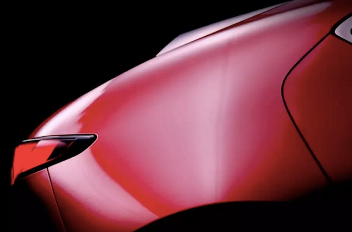 Mazda показала новую «тройку» на видео