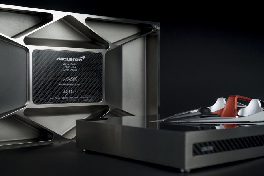 Покупателям McLaren GT подарят статуэтку