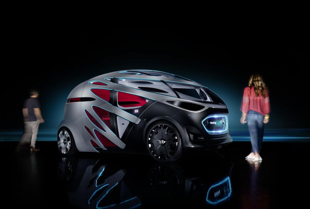 Mercedes-Benz представил беспилотный автомобиль-трансформер