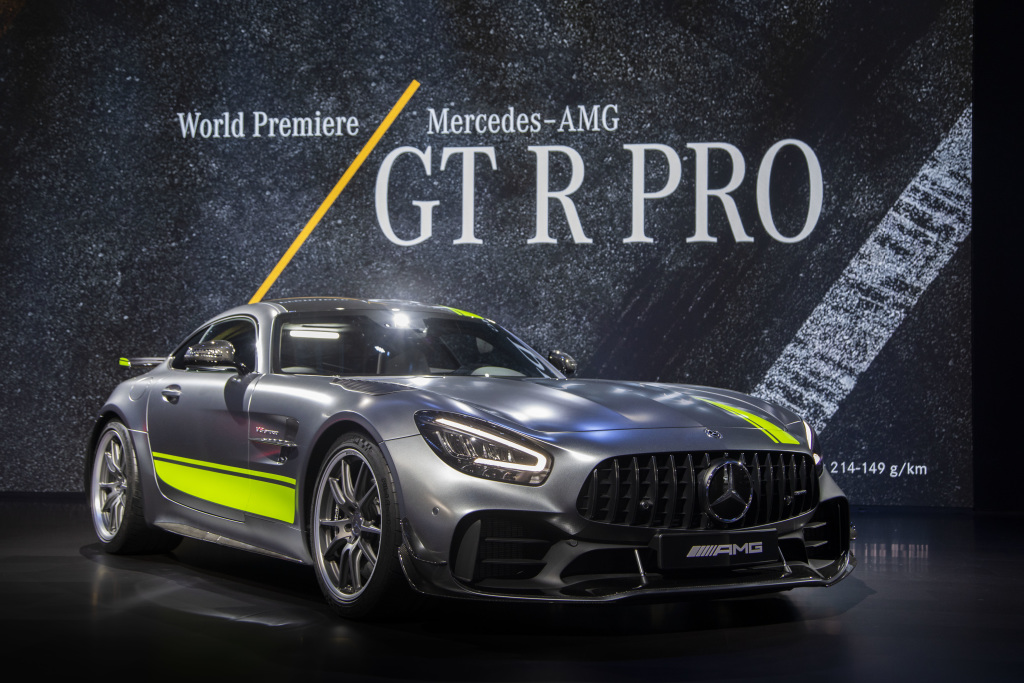Mercedes-AMG GT R получил Pro-версию