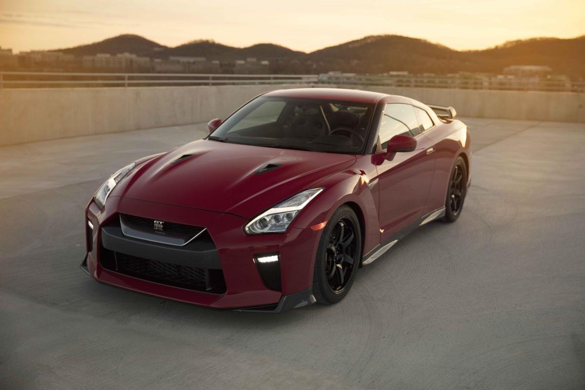 Новому Nissan GT-R Track Edition разрешили ездить не только по треку