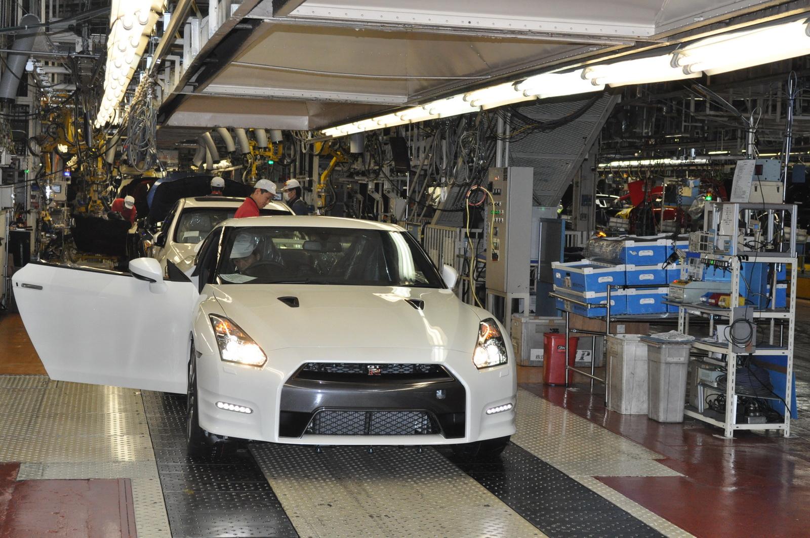 Nissan возобновил серийное производство автомобилей в Японии