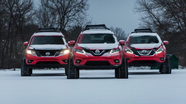 Три кроссовера Nissan встали на гусеничный ход (видео)
