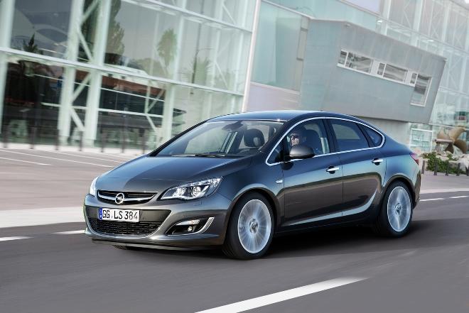 opel-astra-sedan-2012