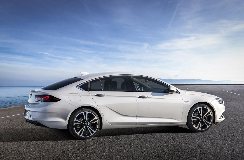 Объявлены европейские цены Opel Insignia нового поколения