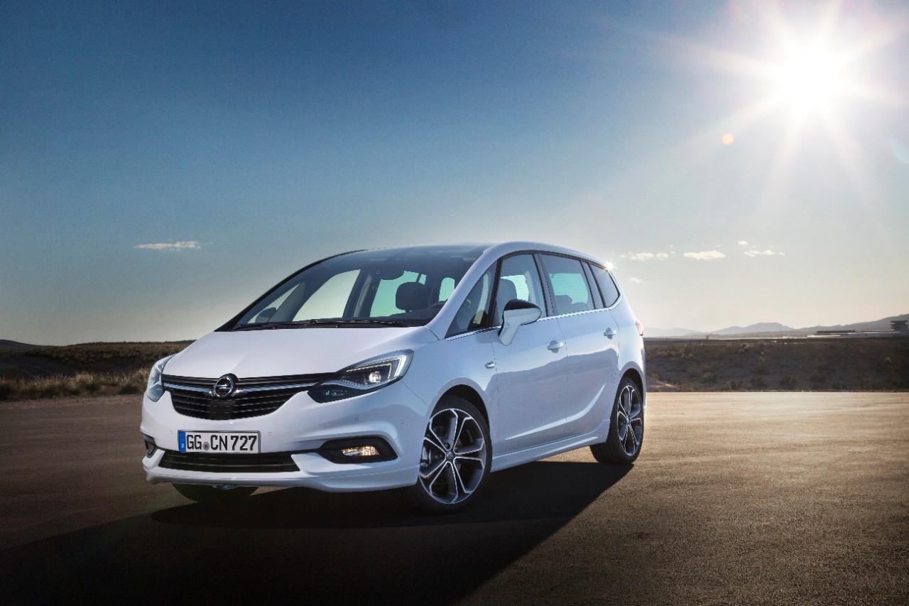 Обновлённый Opel Zafira превратит ночь в день