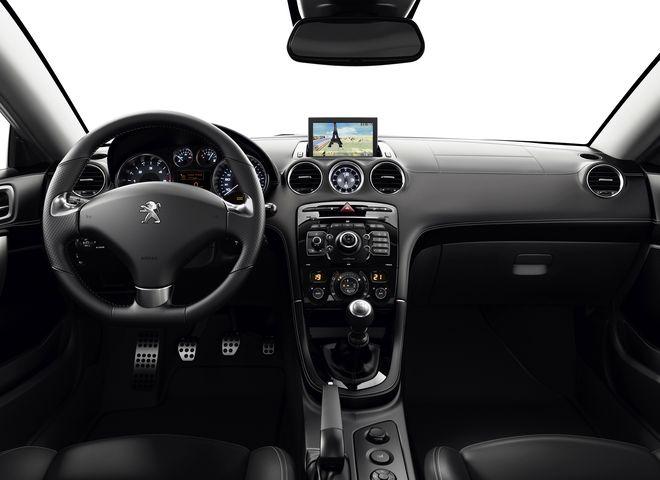 Peugeot RCZ — интерьер