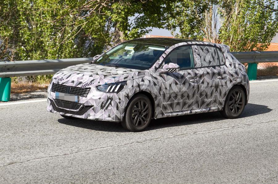 Peugeot 208 нового поколения вывели на тесты