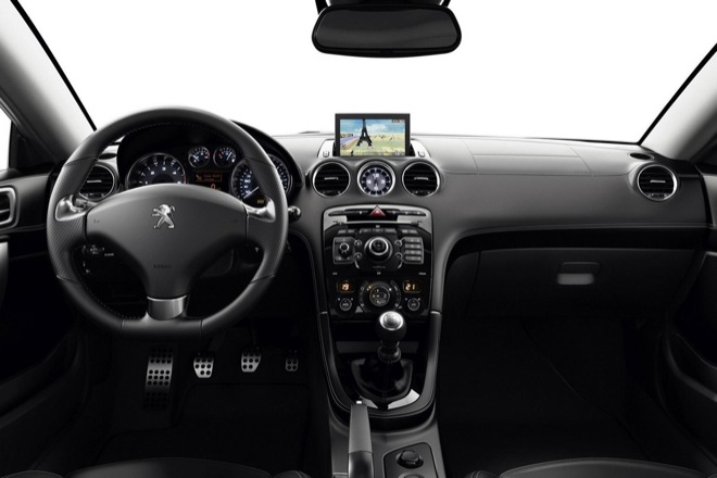Peugeot RCZ 2013 интерьер