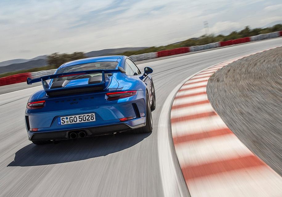 Porsche 911 можно будет зарядить от обычной розетки