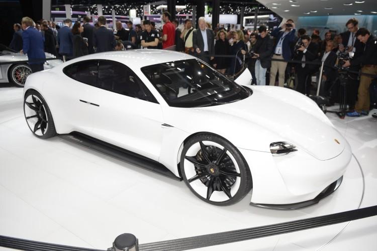 Panasonic или Bosch – в Porsche выбирают поставщика для проекта Mission E