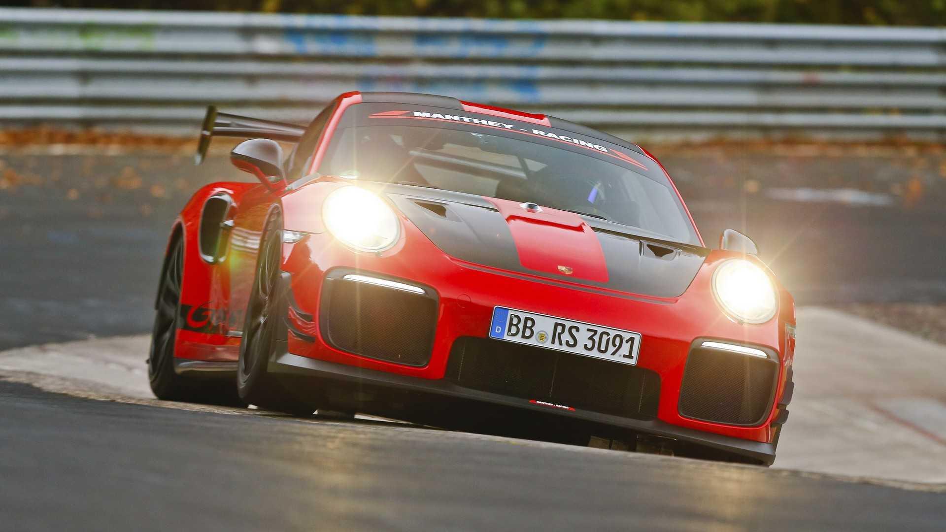 Porsche 911 GT2 RS MR установил новый рекорд круга на Нюрбургринге