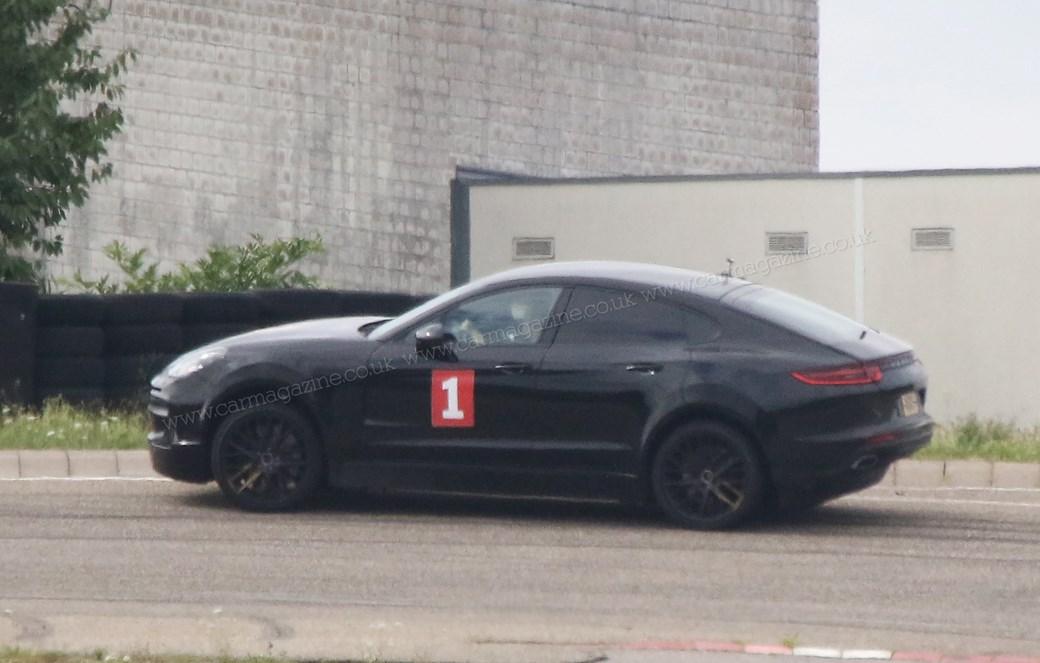 Porsche начала испытания купеобразного Cayenne