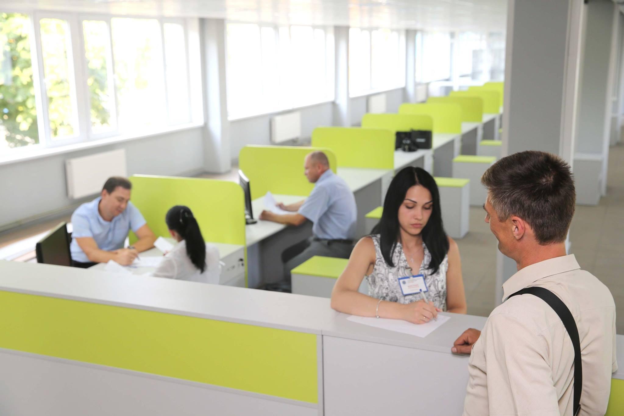 Первый сервисный центр МВД нового типа сделали без кабинетов (фото)