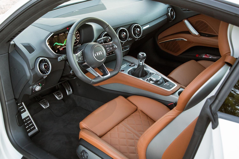 Издание Wards Auto назвало лучшие автомобильные интерьеры