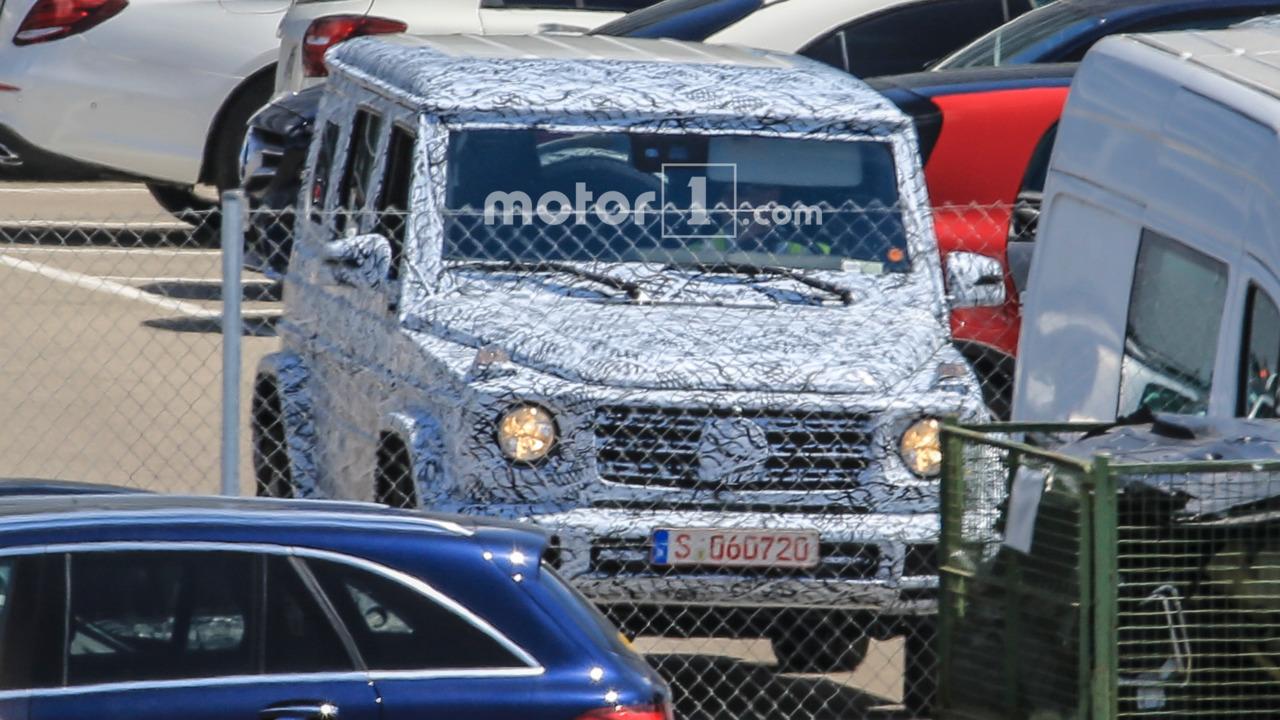 Mercedes-Benz начал испытания нового G-Class