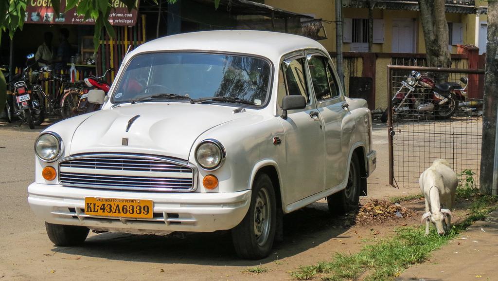Компания Peugeot купила индийский автомобильный бренд Ambassador
