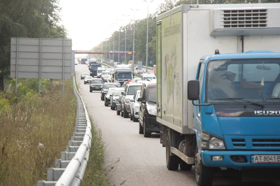 Киев выделил землю для двух развязок на трассе М-06