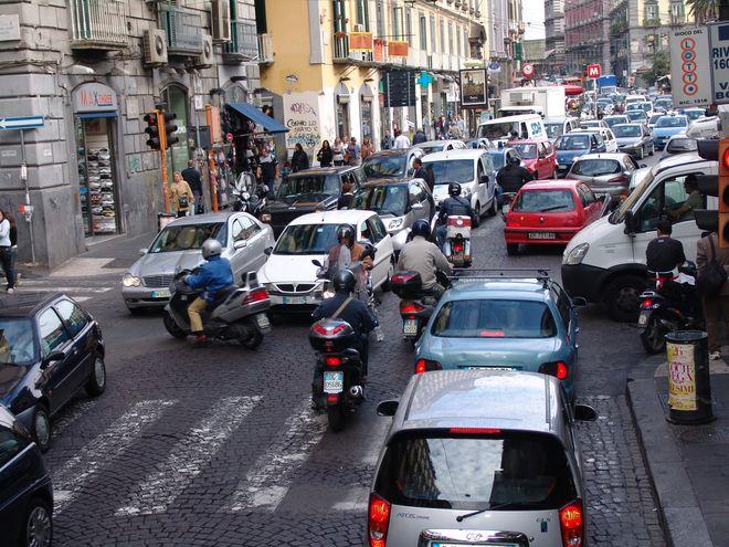 Движение в Италии