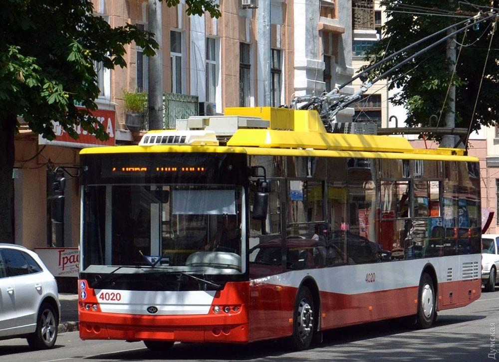 «Умный» троллейбус в Киеве будет регистрировать нарушения ПДД