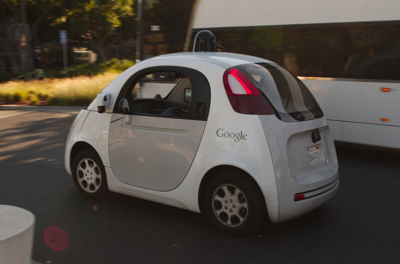 Fiat Chrysler планирует строить беспилотники вместе с Google