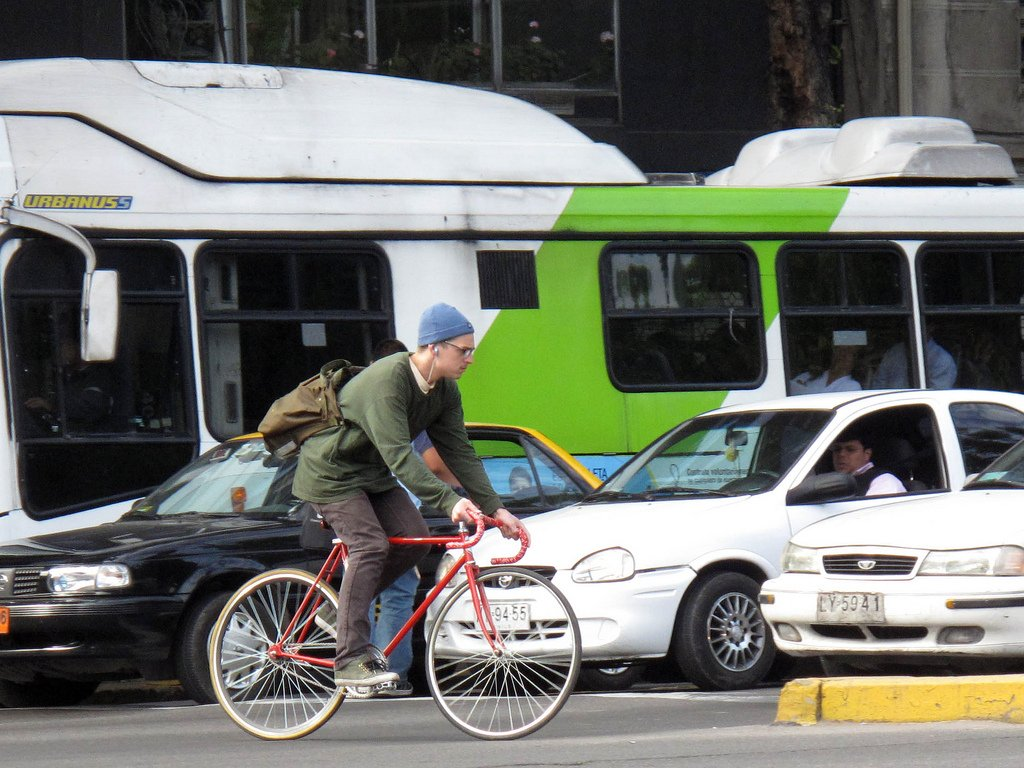 «Гугломобили» обучили распознавать жесты велосипедистов