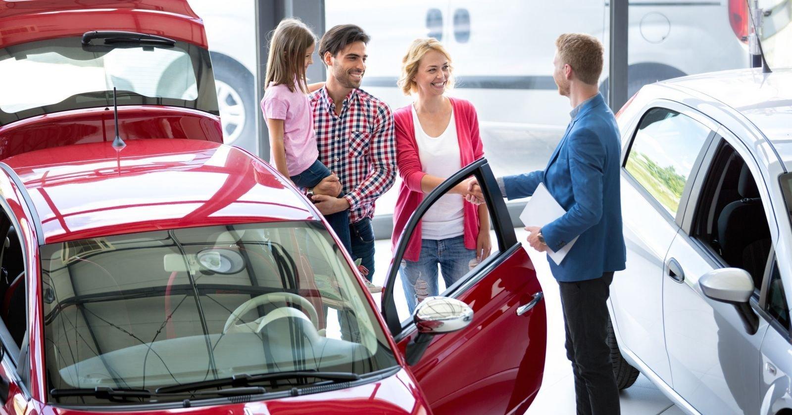 Названы лидеры продаж украинского рынка автомобилей по итогам двух месяцев