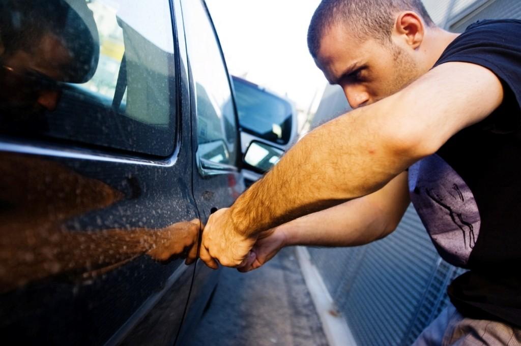 Нацполиция предложит приравнять кражи автомобилей к квартирным