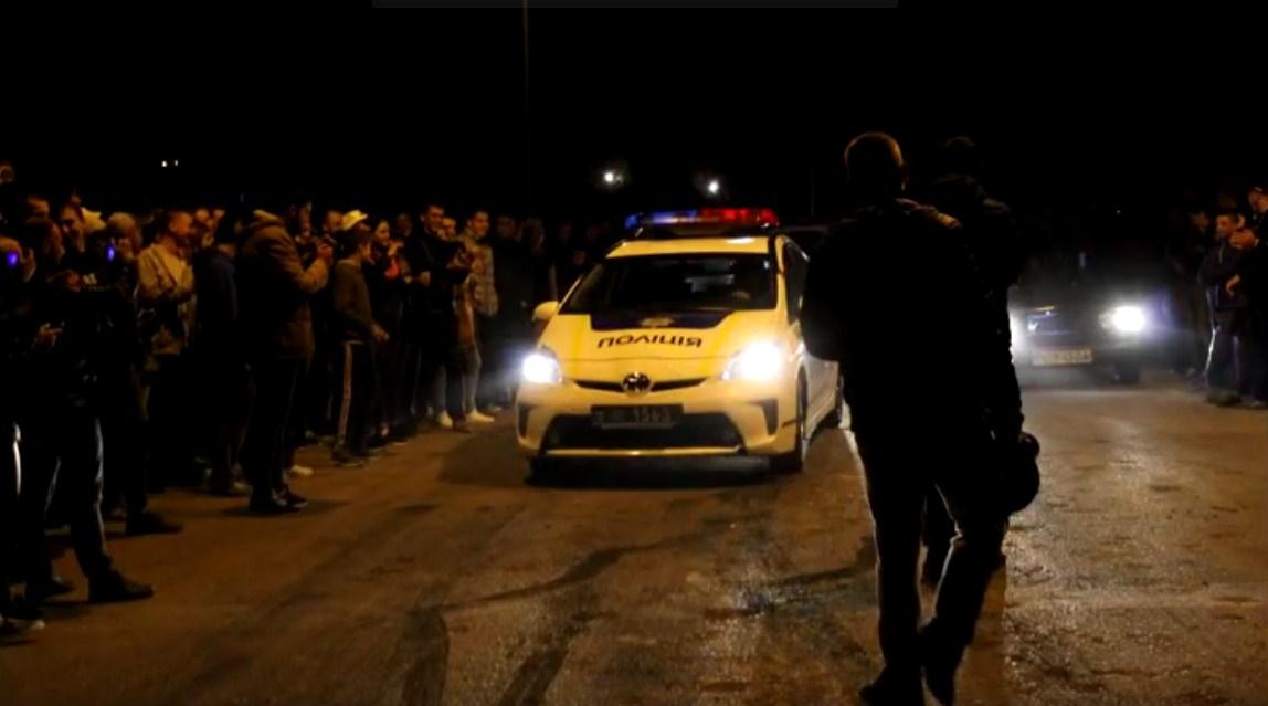 «Приус» одесской полиции участвовал в уличных гонках (видео)