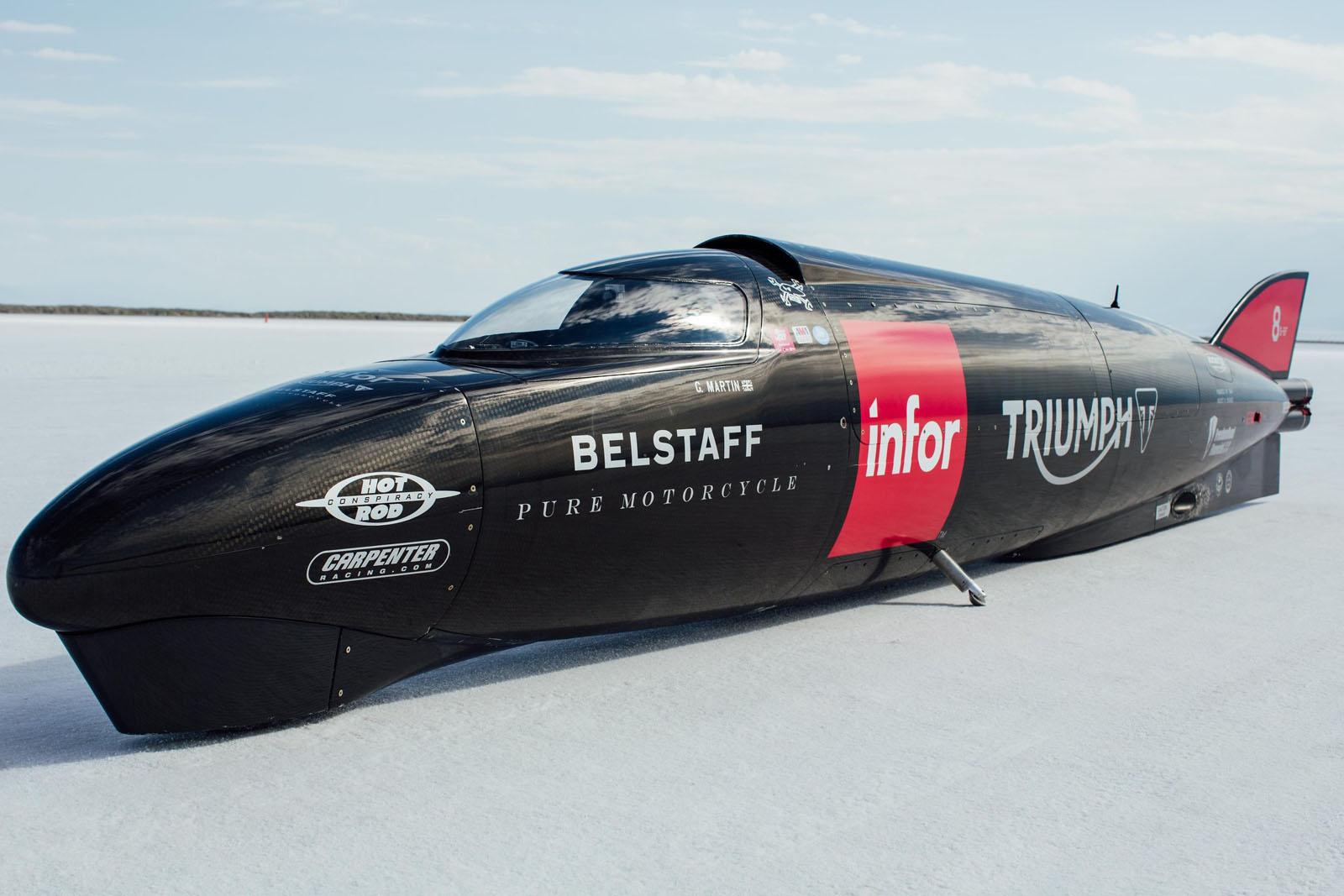 Мотоцикл Triumph Infor Rocket Steamliner разогнался до441 км/ч