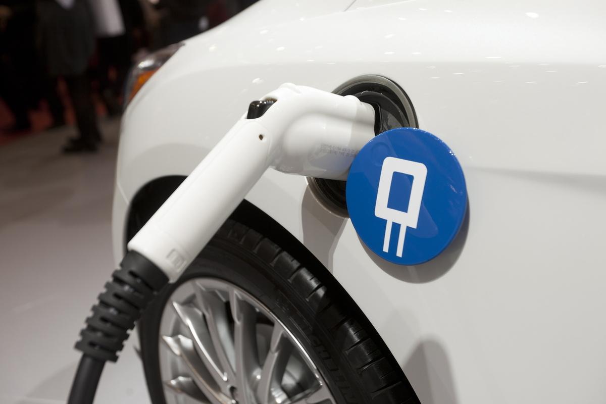 Бывший топ-менеджер Volvo получил миллиард долларов на создание электромобилей