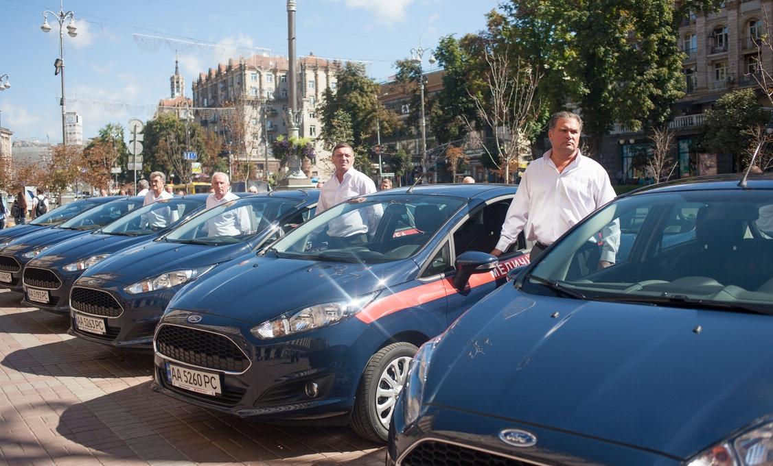 Столичным медикам передали сотню автомобилей Ford Fiesta