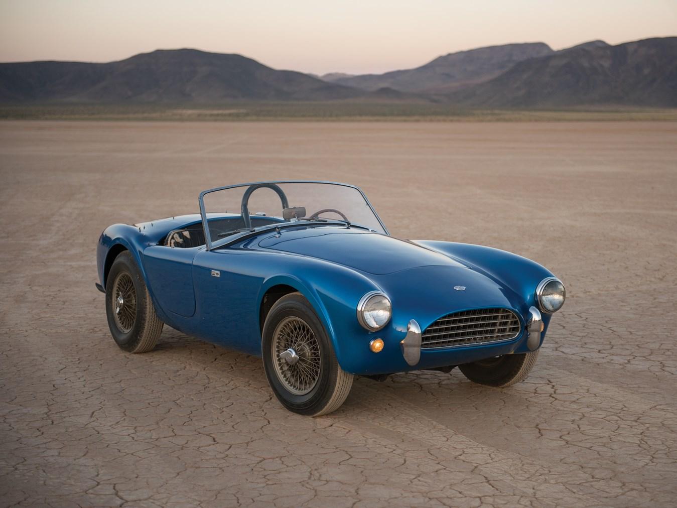 Первый экземпляр Shelby Cobra продадут на аукционе