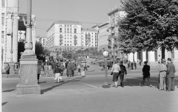 На Крещатик могут вернуть наземные пешеходные переходы